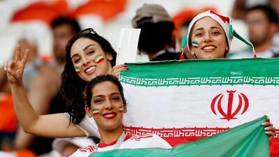 Saransk tuvo un brillo especial con las fanáticas de Irán y Portugal