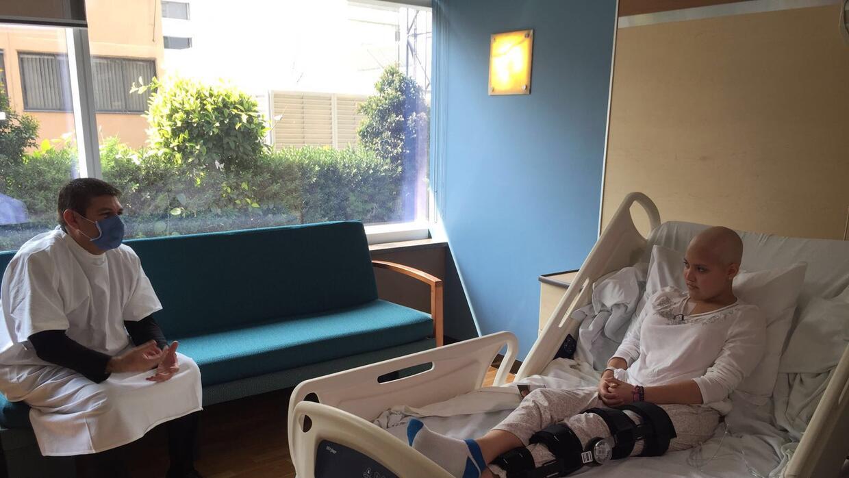 Alexia Garduño padece de cáncer en una pierna, y será operada el 25 de f...