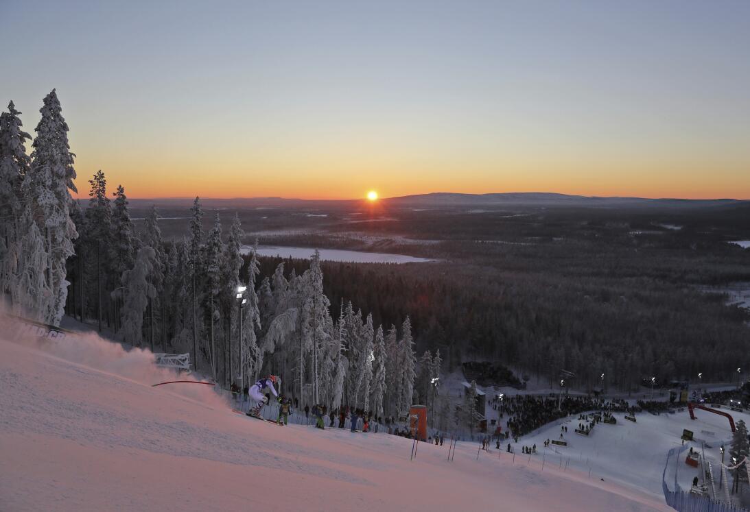 Paisajes y curiosidades en el Mundial de esquí alpino AP_16317488000349.jpg