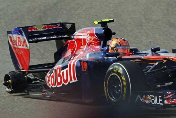 Los mecánicos de Toro Rosso olvidaron asegurar una rueda después de su p...
