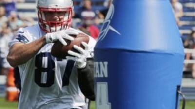 Rob Gronkowski (AP-NFL).