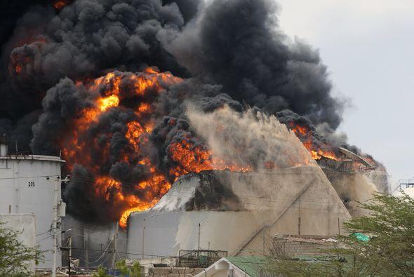 Agosto 25- En el estado Falcón, en Venezuela, sucede la explosi&o...