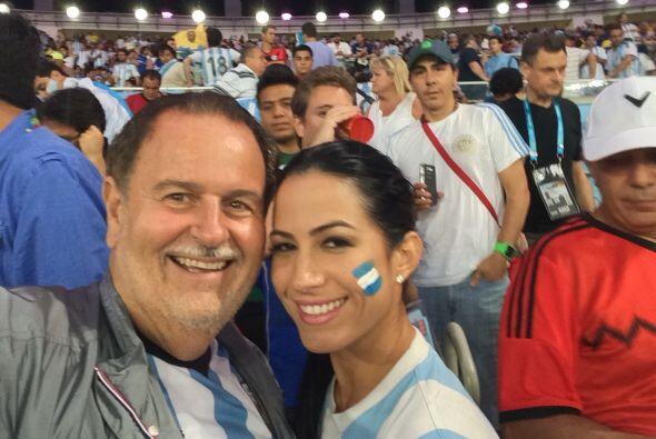 Aprovecharon para tomarse una 'selfie' en el estadio.