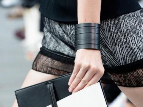 Un bolso en 'black&white' no puede faltarte este verano. Esta fabulo...