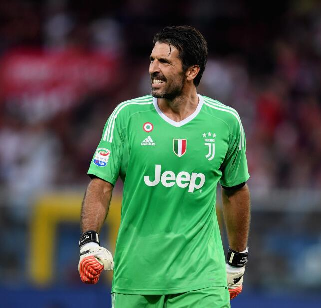 8. Gianluigi Buffon (Juventus F.C.) - 4,5 millones de euros