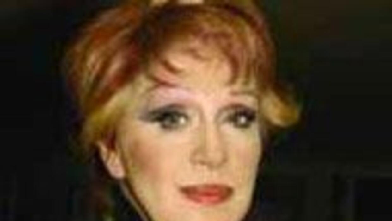 Anel ex esposa de José José explota contra el cantante.