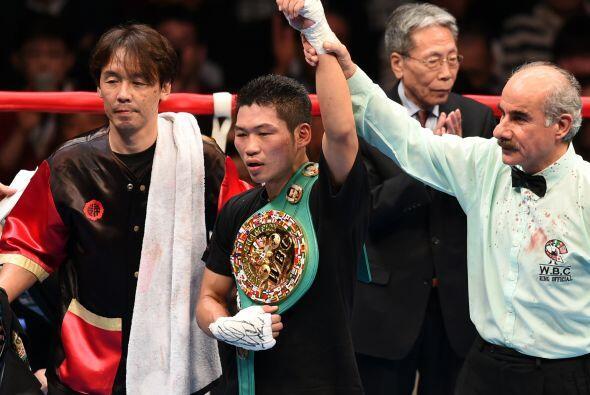 Miura retuvo el título ante su afición.
