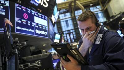 Miedo a una guerra comercial con China derriba la bolsa por segundo día consecutivo: Wall Street pierde 400 puntos