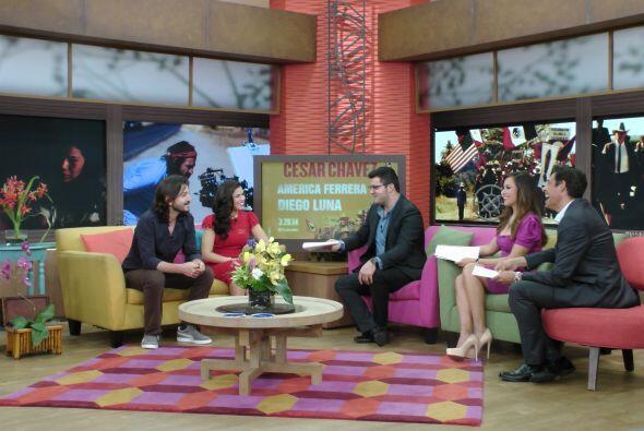 Diego Luna y America Ferrera llegan al programa a promocionar su nueva p...