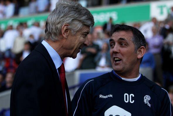 Qué amigables estaban Arsene Wenger, entrenador del Arsenal, y Owen Coyl...