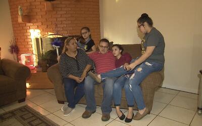 Angustiosa batalla de un padre de familia a quien ICE le dio un ultimátu...