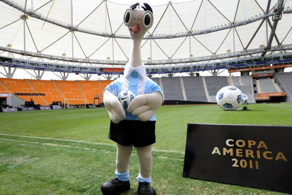 Y este es Suri, la mascota de la Copa América 2011 presentada en socieda...