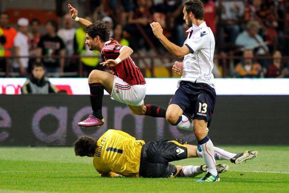 Alexandre Pato pudo haber marcado en el comienzo pero no pudo ante la sa...