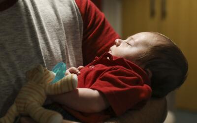 Cinco días antes de que él naciera, un procedimiento quir&...