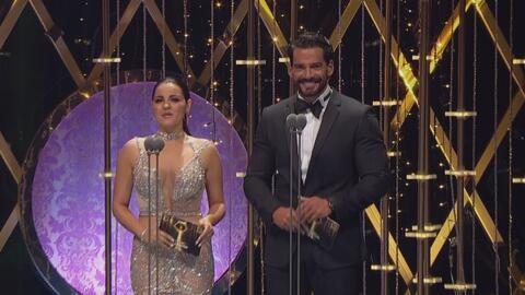 Una verdadera lluvia de estrellas se vivió en los Premios TVyNovelas. Es...