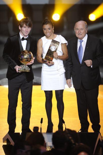 Después, se les unió Joseph Blatter, mandatario de la FIFA.