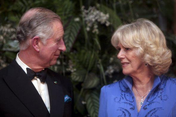 El Príncipe Carlos algún día será el rey de Inglaterra, pero su romance...