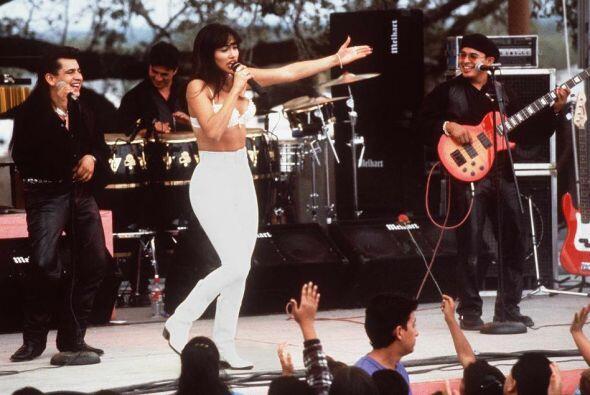 Interpretaba a una de las artistas más queridas de la música latina: Sel...