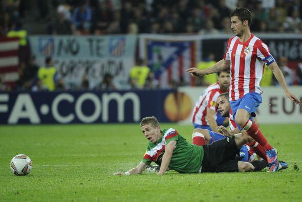 Cuando se terminaba el juego, el brasileño Diego se escapó y desparramó...