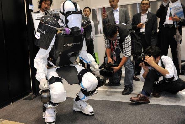 El exoesqueleto mecánico también tiene otros usos, como en la rehabilita...