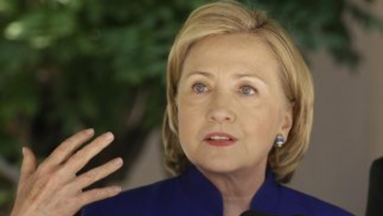 Hillary Clinton habla con Jorge Ramos sobre qué hacer con los niños de l...