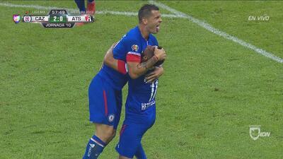 Con gran fortuna, Caraglio puso el 2-0 para Cruz Azul