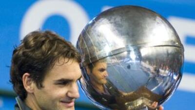 Roger Federer nació el 8 de agosto de 1981 en Basilea Suiza y debutó pro...