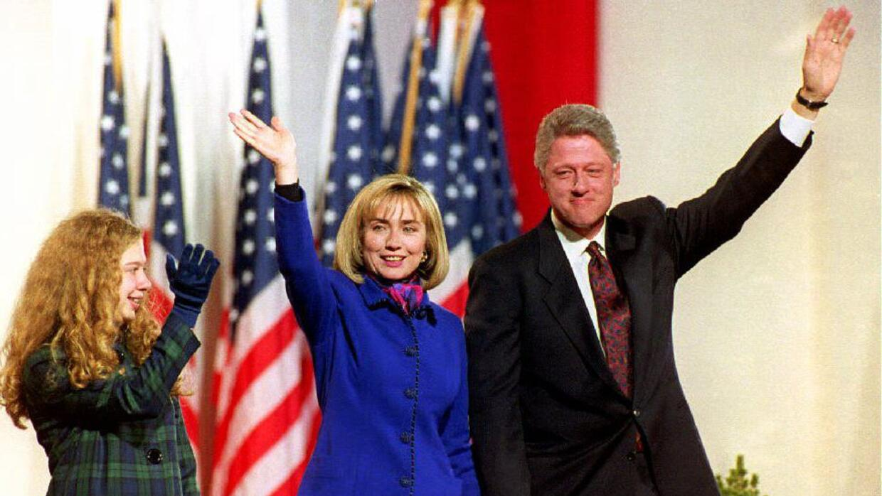 Los Clinton en Little Rock, capital de Arkansas, en la campaña presidenc...