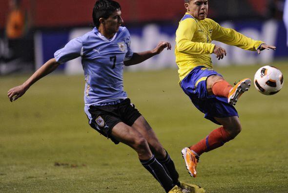 Ecuador y Uruguay divideron honores lo que terminó por beneficia...