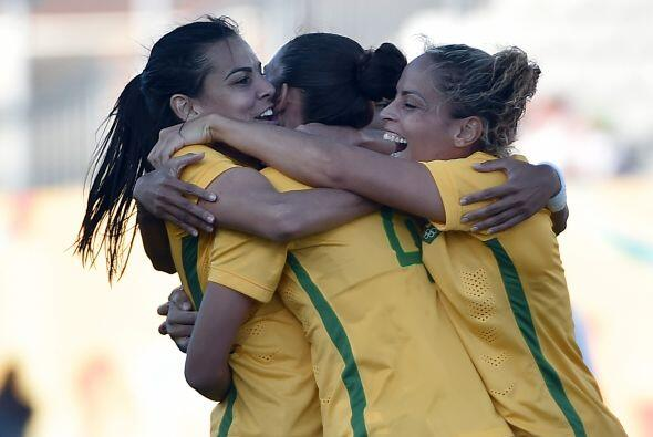 La selección brasileña de fútbol femenino clasific&...