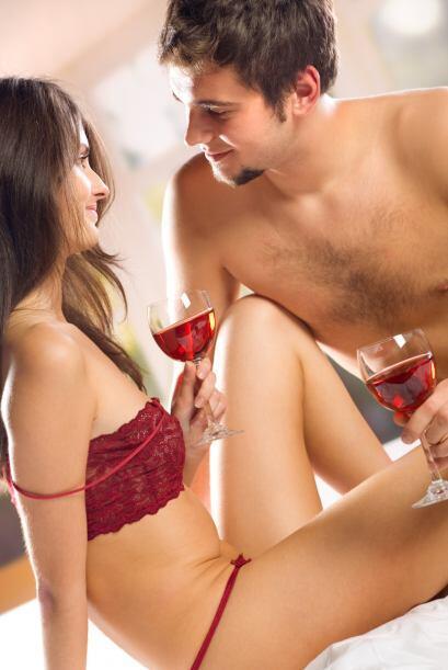 En el momento de la intimidad sexual usa ropas íntimas de color n...
