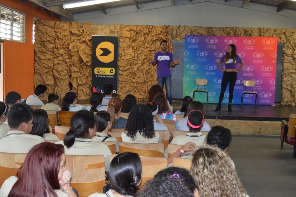 Los animadores de La Banda Soundcheck motivaron a los estudiantes a que...