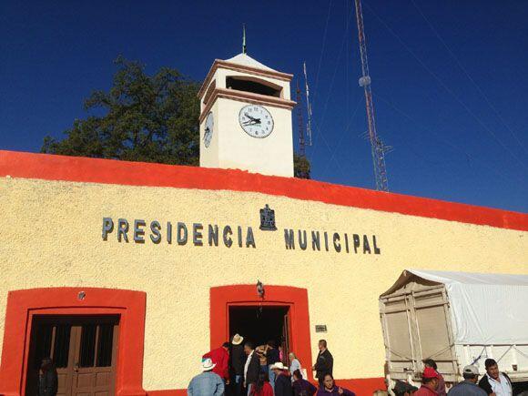 Iturbide se convirtió en el foco de atención del mundo entero. Cientos d...