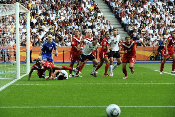 Imagen del partido entre Alemania y Canadá que ganaron las german...