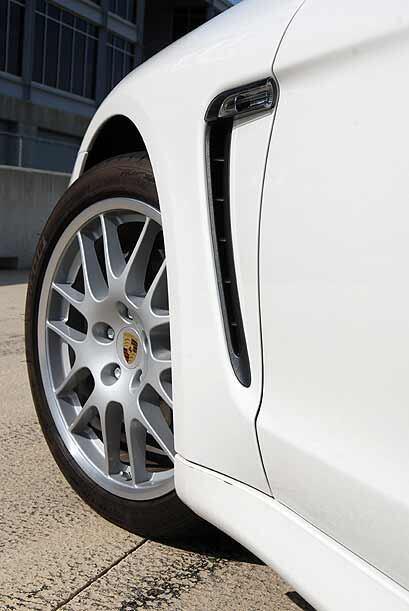 La suspensión del Panamera está configurada para un manejo ultra deportivo.