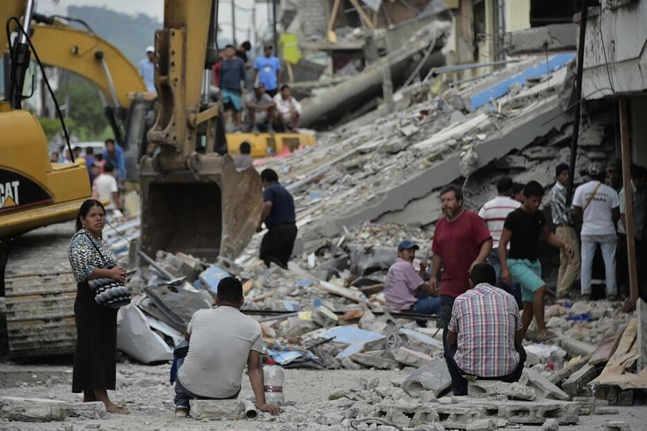 Las imágenes que nos deja el potente terremoto en Ecuador  ecuador2.jpg
