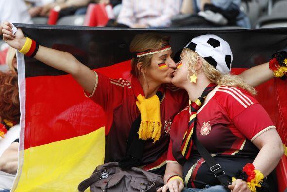 Mientras tanto en Alemania arrancó el Mundial Femenino y el equip...