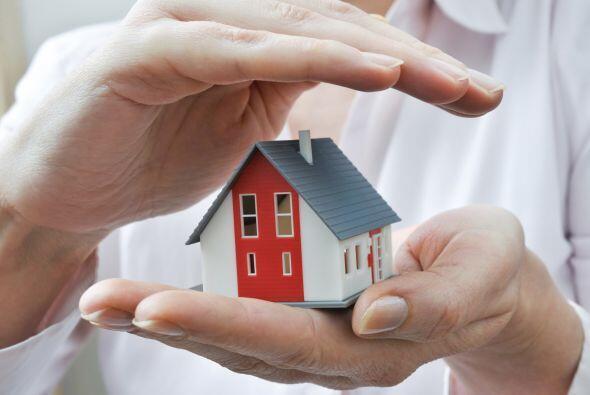 """Generalmente, las personas aseguran sus bienes """"como el auto o la casa""""o..."""