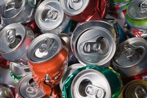 Metales como el hierro y aluminio ayudan a mantener los alimentos sellad...