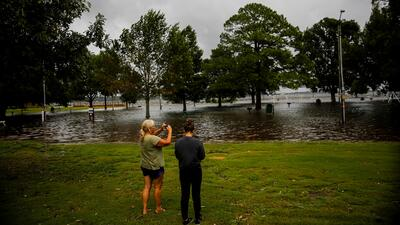Usuarios de redes sociales publican videos y fotografías del paso del huracán Florence