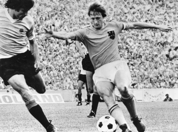 Pelé y otras leyendas que le dieron color al fútbol cuando este se veía...