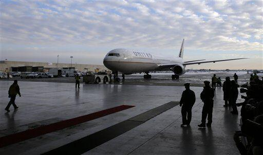 Los Denver Broncos arrrivaron al Aeropuerto InternacionalNewark Liberty...