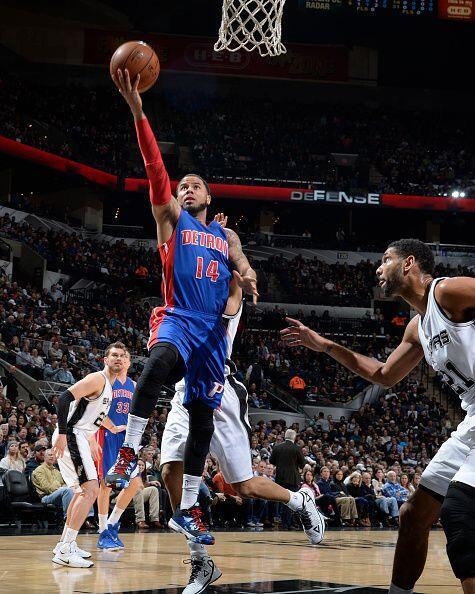 6 de Enero - Pistons (11-23) ganan 105 - 104 a Spurs (21-15).
