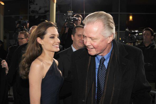 Jon Voight participó en la misma película que Angelina Jol...