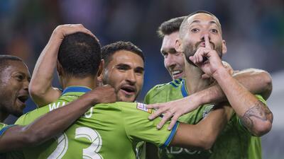 En fotos: De la mano de Dempsey, Seattle venció 1-0 a Chivas