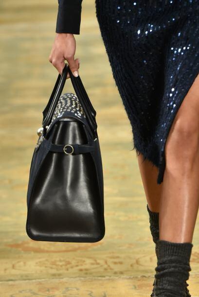 Este bolso es el favorito para llevarlo al trabajo ya que cabe perfectam...