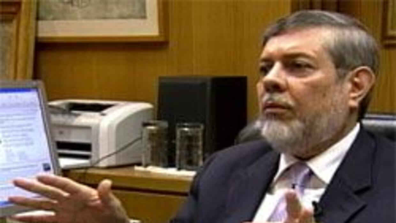 Detectaron irregularidades en el cobro de pasaportes en el Consulado Mex...