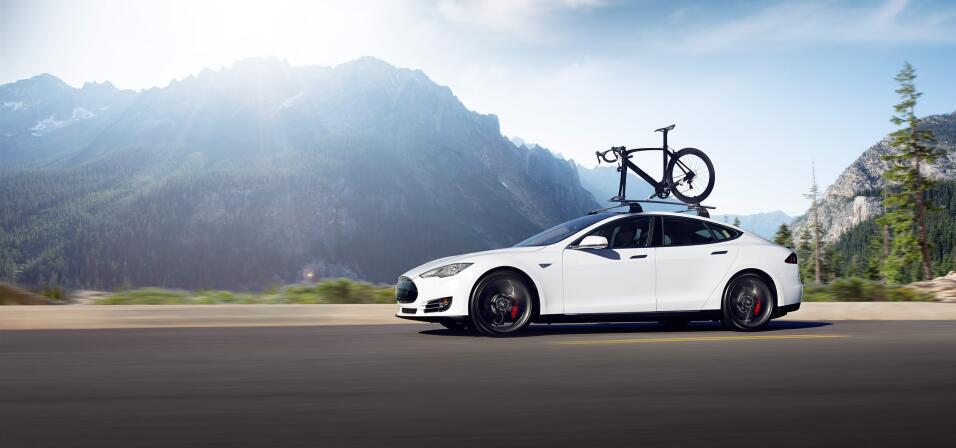 Tesla enfrenta despidos y retrasos en la producción del Model 3 hero-08.jpg