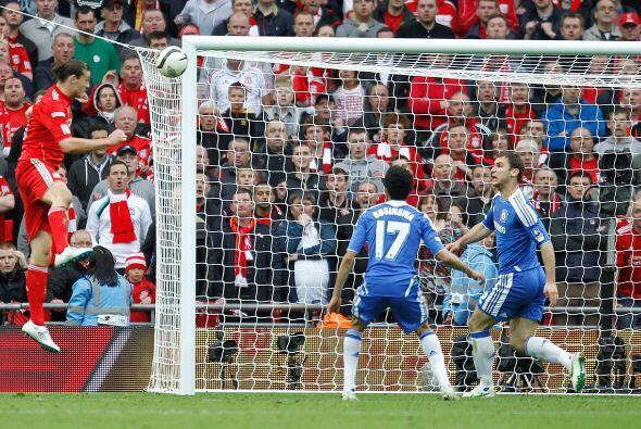 Pasaron algunos minutos y el Liverpool estuvo cerca del empate.