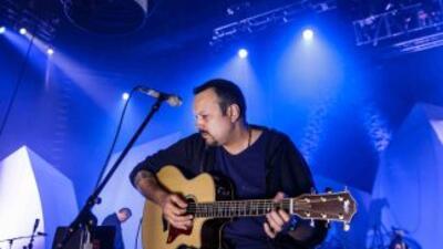 Pepe Aguilar está de estreno con su tema 'Entre Dos Ríos', el cual es un...